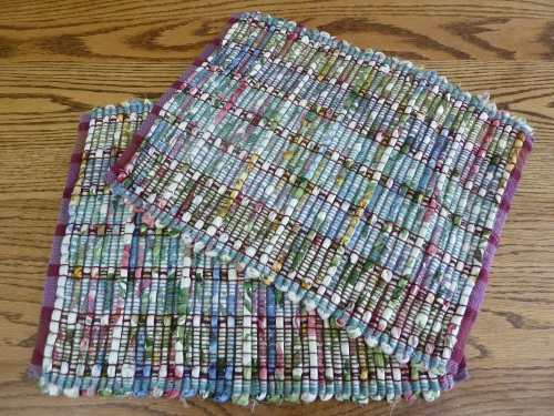 "heavy cotton drapery fabric in 1"" strips - hard to fold!"
