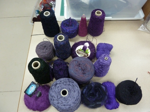 16 yarns used for Blackberry mixed-warp
