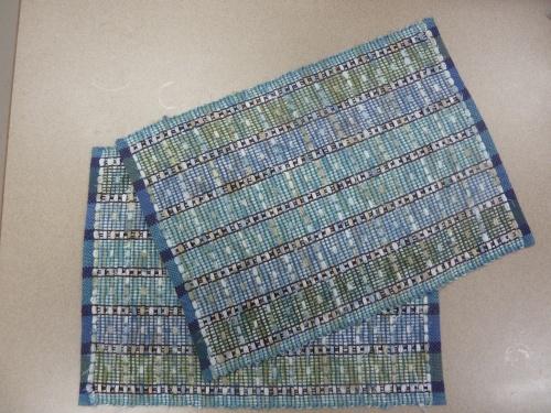 blue floral placemats